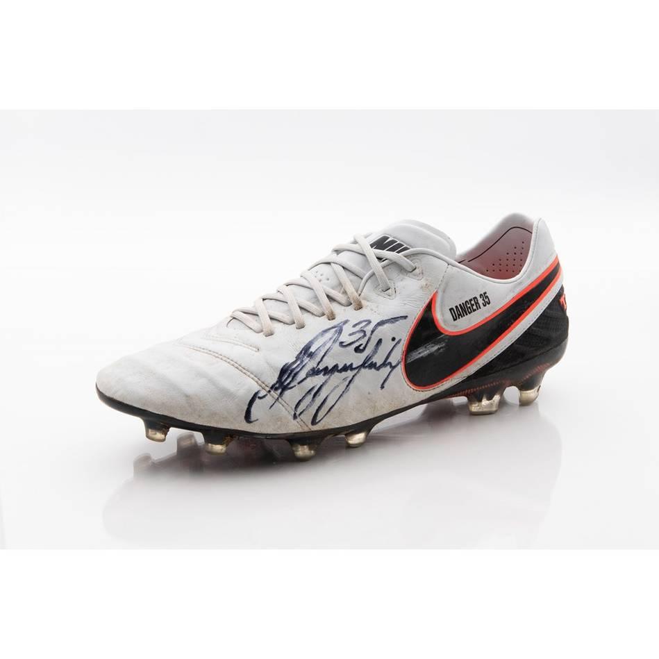 Patrick Dangerfield Signed 2016 Match-Worn Boot